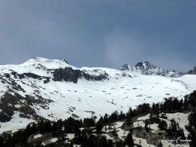 P1040895 - Romería en el Aneto, vistas desde Aigualluts, Pirineo.
