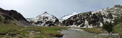 Panorama2 001 - Romería en el Aneto, vistas desde Aigualluts, Pirineo.