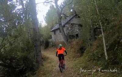 626 - Sale el sol, salen las bicicletas, Valle de Benasque.