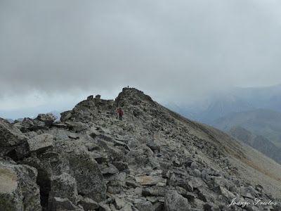 """P1070309 - Del """"veroño"""" a ver nieve de nuevo en el Valle de Benasque."""
