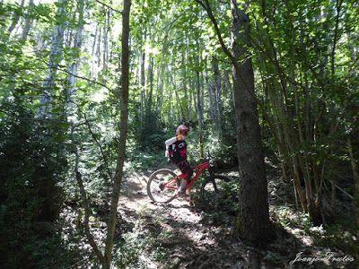 P1070529 - Sigo pedaleando, una semana con enduro, ahora Valle de Benasque.