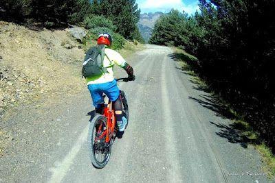 201 1 - Pllanadona un lujo de sendero en el Valle de Benasque.