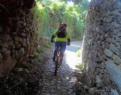 258 - Pllanadona un lujo de sendero en el Valle de Benasque.
