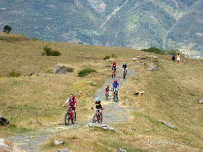 P1070884 - Las Tres Cascadas de Ardonés en pedales cerca de Cerler.