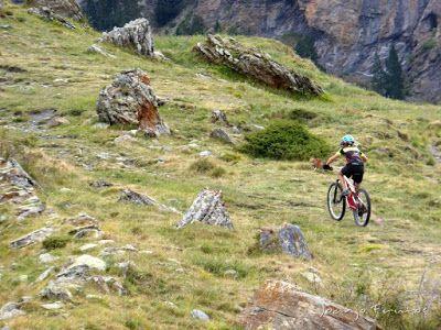 P1070891 - Las Tres Cascadas de Ardonés en pedales cerca de Cerler.