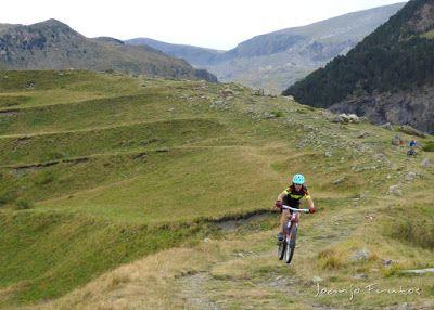 P1070898 - Las Tres Cascadas de Ardonés en pedales cerca de Cerler.