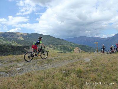 P1070901 - Las Tres Cascadas de Ardonés en pedales cerca de Cerler.