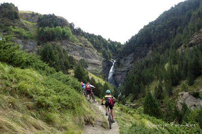 P1070902 - Las Tres Cascadas de Ardonés en pedales cerca de Cerler.