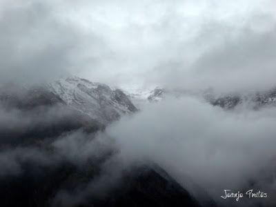 """P1080452 - Del """"veroño"""" a ver nieve de nuevo en el Valle de Benasque."""