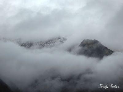 """P1080453 - Del """"veroño"""" a ver nieve de nuevo en el Valle de Benasque."""