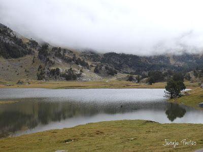 """P1080464 - Del """"veroño"""" a ver nieve de nuevo en el Valle de Benasque."""