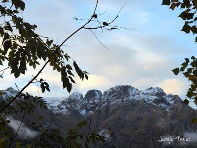 """P1080518 - Del """"veroño"""" a ver nieve de nuevo en el Valle de Benasque."""