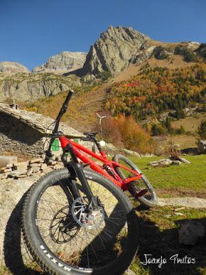 P1080631 - Valle de Estós recorrido con pedales. Pirineo Aragonés.