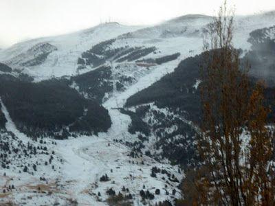 P1090079 - Vistas y carreteras del fondo del Valle de Benasque.