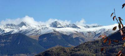 Panorama2 2 - Noviembre en el Valle de Benasque dos ambientes...