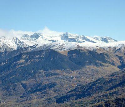 Panorama4 - Noviembre en el Valle de Benasque dos ambientes...