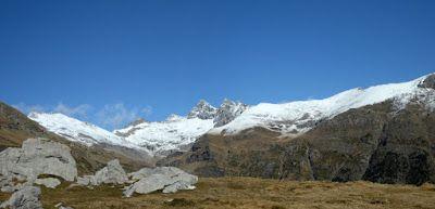 Panorama6 1 - Noviembre en el Valle de Benasque dos ambientes...