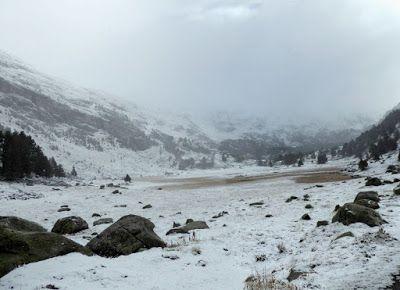 Panorama8 1 - Noviembre en el Valle de Benasque dos ambientes...
