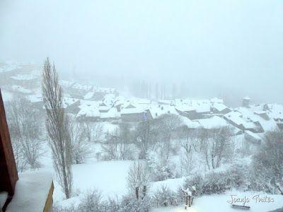 P1090656 - Diciembre empieza blanco en el Valle de Benasque.