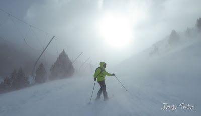P1090681 - Diciembre empieza blanco en el Valle de Benasque.