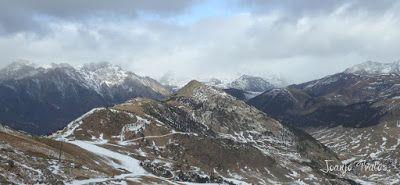 P1090949 - Esperando la ansiada nevada en el Valle de Benasque.