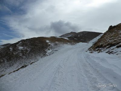 P1090953 - Esperando la ansiada nevada en el Valle de Benasque.