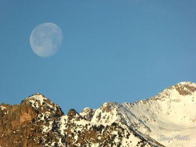 P1100305 1 - Cuando se escapa la Luna llena en el Valle de Benasque