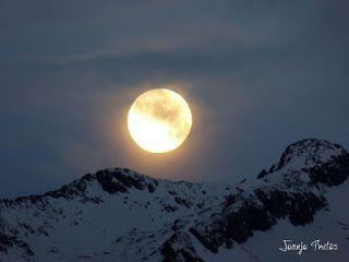 P1100733 - Cambio de mes con Luna Azul.