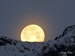 P1100746 - Cambio de mes con Luna Azul.