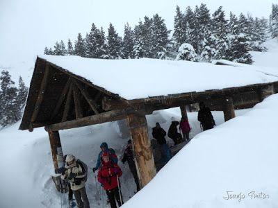 P1110263 - Visitando los 3 m de nieve del Refugio de La Renclusa, Valle de Benasque.