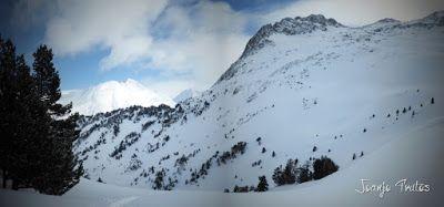 Panorama13 - Visitando los 3 m de nieve del Refugio de La Renclusa, Valle de Benasque.