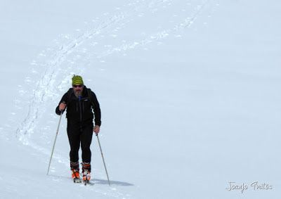 P1110859 - Cerler, Gallinero, Urmella, Arasán, se trata de esquiar ... Valle de Benasque.