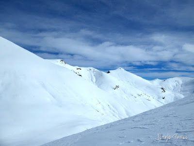 P1110875 - Cerler, Gallinero, Urmella, Arasán, se trata de esquiar ... Valle de Benasque.