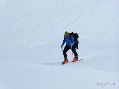 P1110892 - Cerler, Gallinero, Urmella, Arasán, se trata de esquiar ... Valle de Benasque.
