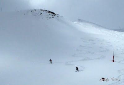 P1130549 - Gallinero skimo, se acabó abril con nueva nevada.