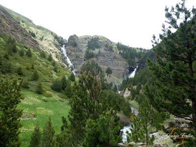 P1140134 - Ruta Las Tres Cascadas de Cerler con mucha agua ...