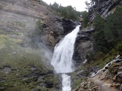 P1140141 - Ruta Las Tres Cascadas de Cerler con mucha agua ...