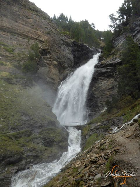 P1140142 - Ruta Las Tres Cascadas de Cerler con mucha agua ...
