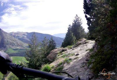 Capturadepantalla2018 06 16alas21.19.42 - Por encima de Las Tres Cascadas en enduro, Cerler.