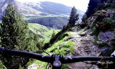 Capturadepantalla2018 06 16alas21.20.26 - Por encima de Las Tres Cascadas en enduro, Cerler.