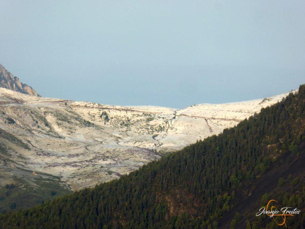 P1180151 1024x768 - Tormentas, rayos y granizo en el Valle de Benasque.