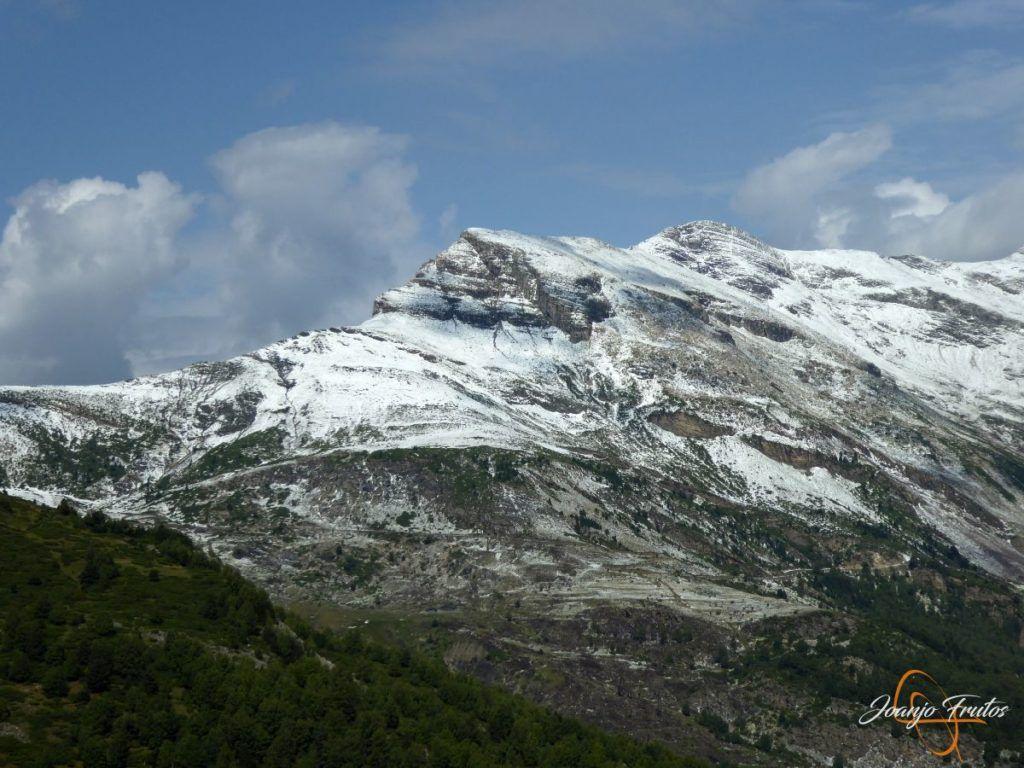 P1180161 1024x768 - Tormentas, rayos y granizo en el Valle de Benasque.