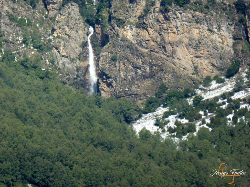 P1180167 1024x768 - Tormentas, rayos y granizo en el Valle de Benasque.