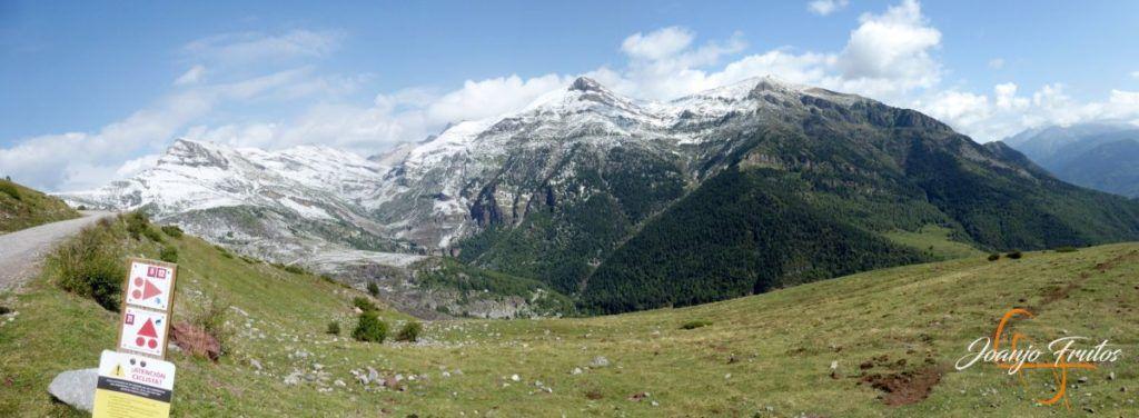 Panorama 2 001 1 1024x376 - Tormentas, rayos y granizo en el Valle de Benasque.