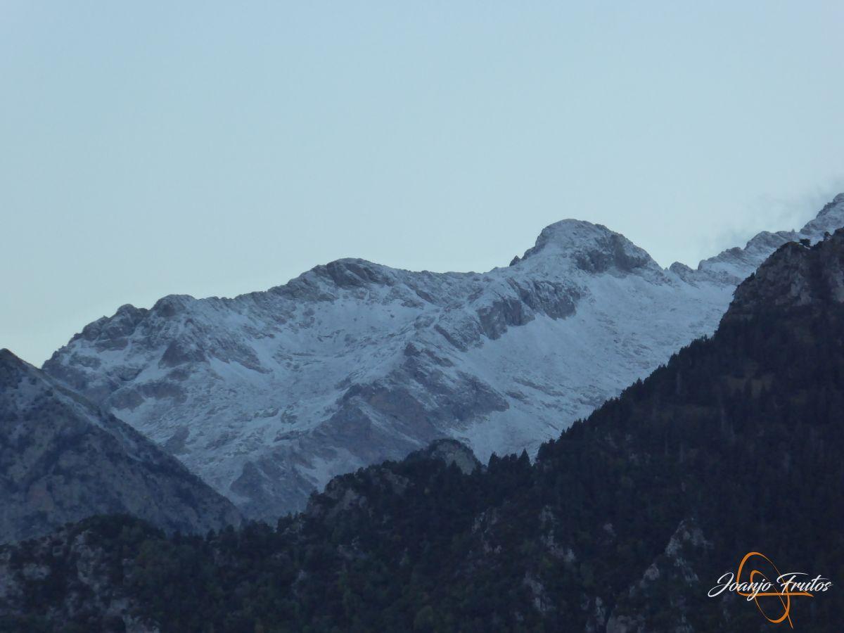 P1190610 - Primera nevada de otoño en Cerler.