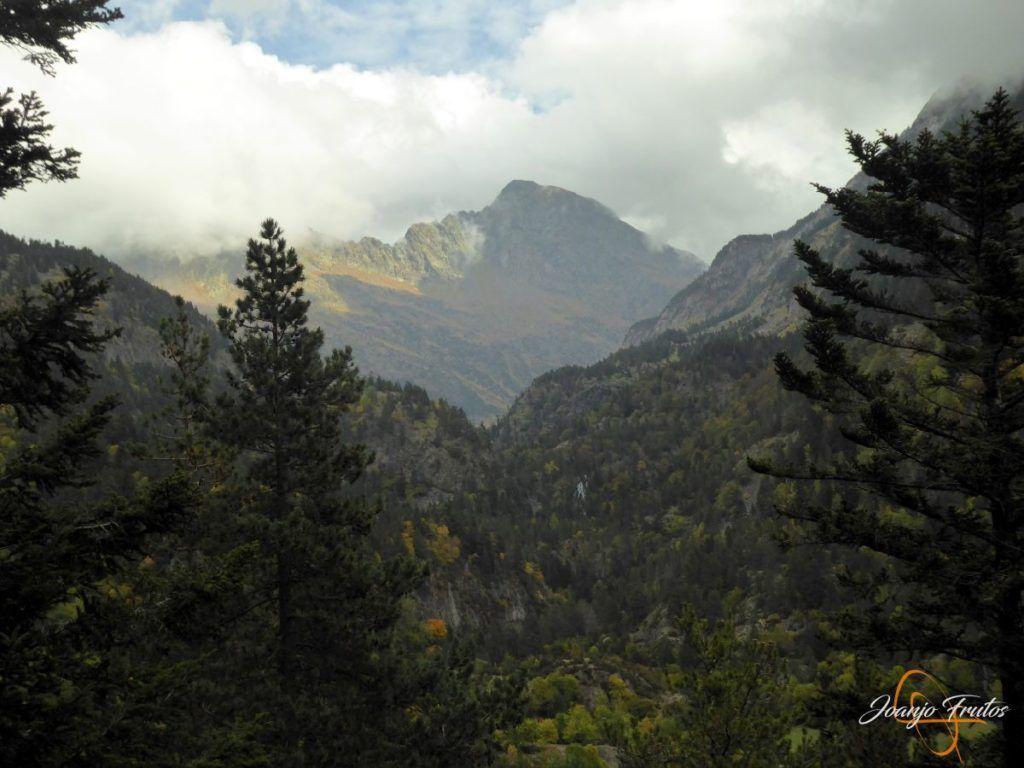 P1190815 1024x768 - Empezamos con colores de otoño, Valle de Benasque.
