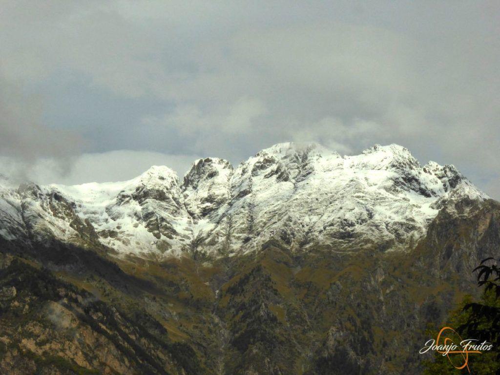 P1190833 1024x768 - Y Leslie deja nieve en Cerler, Valle de Benasque.