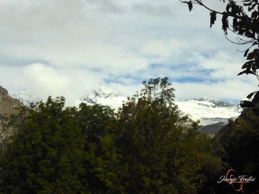 P1190834 1024x768 - Y Leslie deja nieve en Cerler, Valle de Benasque.