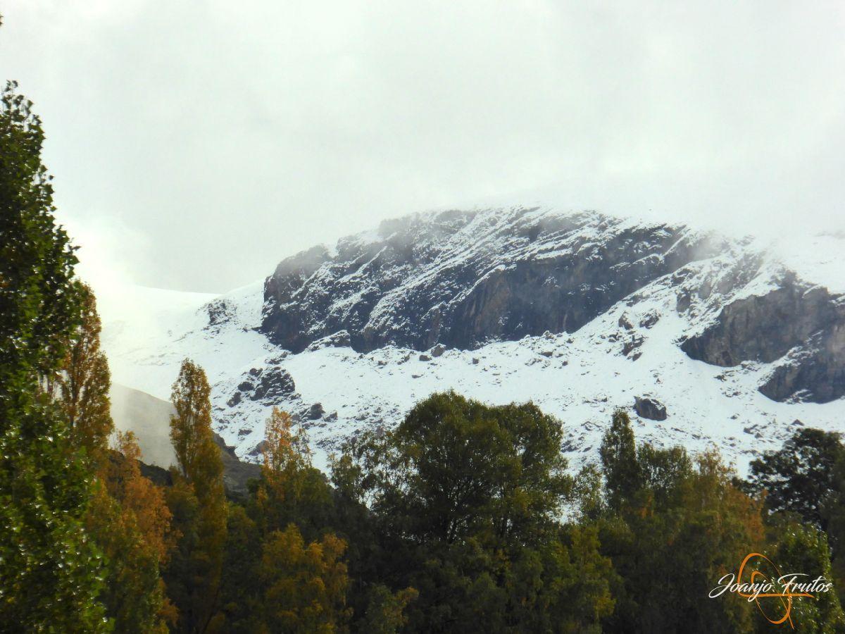 P1190839 - Y Leslie deja nieve en Cerler, Valle de Benasque.