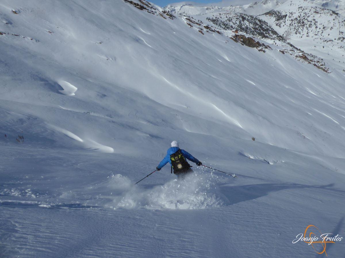 """P1200427 - Noviembre empieza con """"powder"""" en Cerler."""